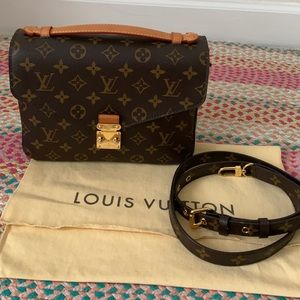 Louis Vuitton pochette Metis monogram crossbody